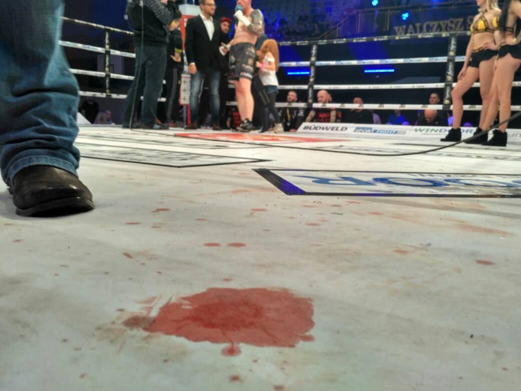 Gala w Łomiankach Krew w ringu